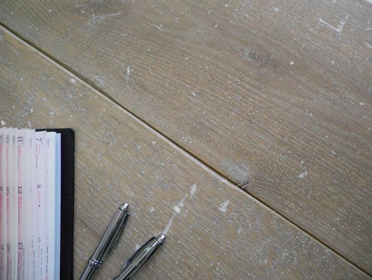 parquet hecho de madera sostenible